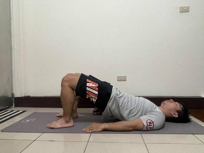 腰痛運動8